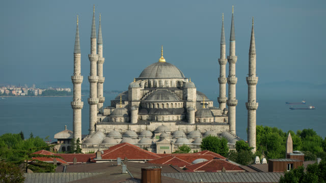 T/L WS Day to Night shot of the Blue Mosque in Istanbul, Turkey
