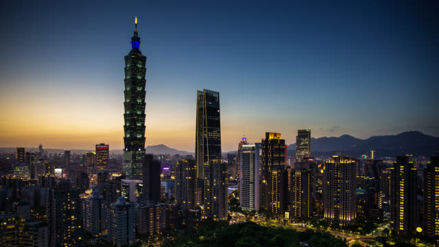 day to night time lapse of taipei from elephant mountain - taipei stock videos & royalty-free footage