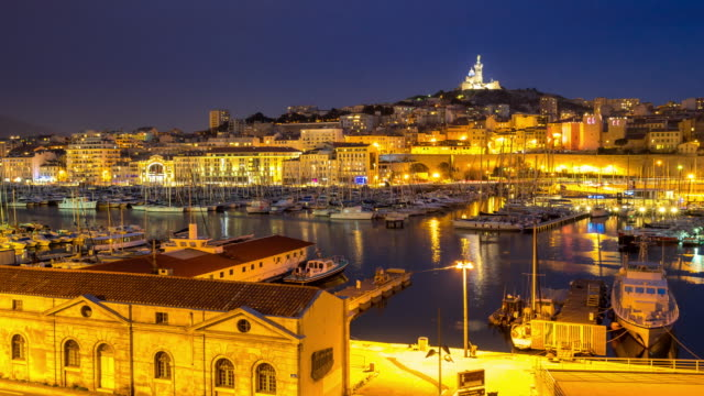 Day to Night Time-lapse: Marseille Vieux Port notre dame