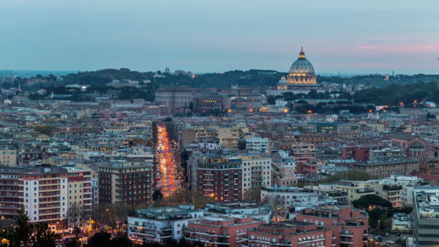 day to night timelapse of rome with car traffic and saint peter's dome, aerial close-up view. italy. april, 2016. - サンピエトロ寺院点の映像素材/bロール