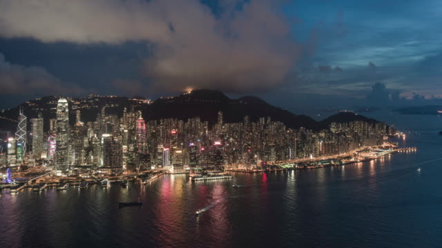 day to night timelapse of the Hong Kong skyline