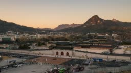 Day to night timelapse traffic in front of Gyeongbokgung Palace