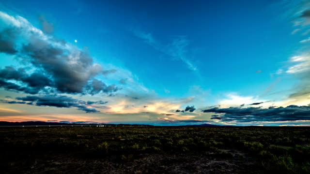 vla day to night timelapse - time lapse stock videos & royalty-free footage