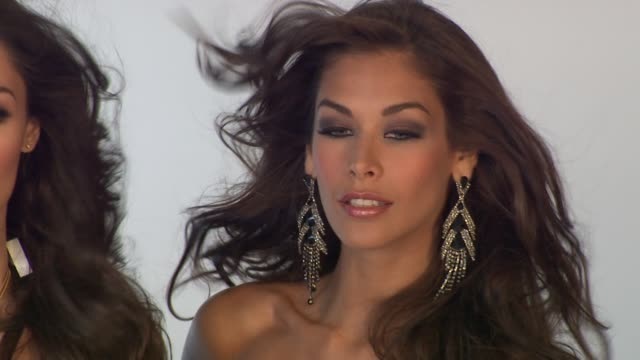 dayanna mendoza at the donald trump poses with former miss universe beauty queens for iconic photoshoot with fadil berisha at new york ny - beauty contest stock videos & royalty-free footage