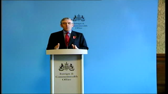 day's main events itn london foreign office int jack straw mp into press conference cameraman jack straw mp press conference sot achieving those... - jack straw stock videos & royalty-free footage