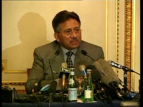 vidéos et rushes de day's main events itn france paris int ms musharraf at pkf gv press conference general pervez musharraf press conference sot it's being perceived in... - guerre d'afghanistan : de 2001 à nos jours