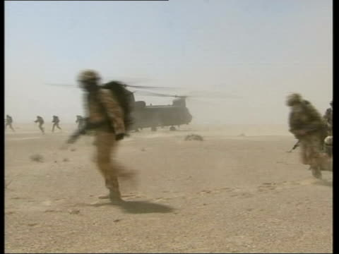 day's main events lib oman ext seq british troops on exercises in desert - 2001 stock videos & royalty-free footage