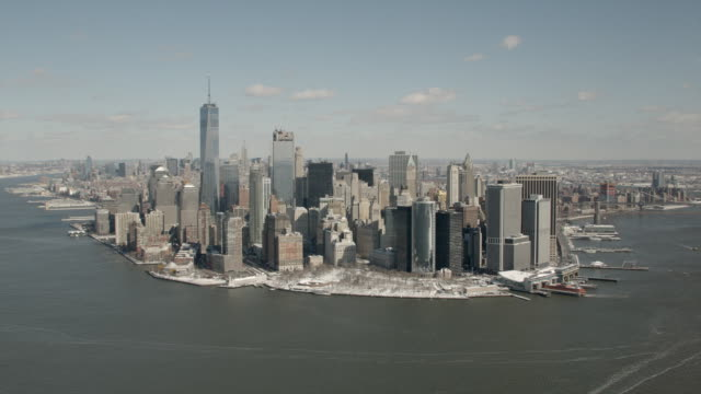 stockvideo's en b-roll-footage met daytime aerial view of downtown manhattan and new york city - wall street lower manhattan