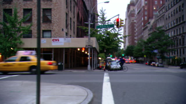 cpov / side view / daytime driving through manhattan / new york city / ny ny cpov / side view / daytime driving through manhattan / new york city / ny ny cpov / side view / daytime driving through upper east side of manhattan / new york city / ny ny - avenue stock videos & royalty-free footage