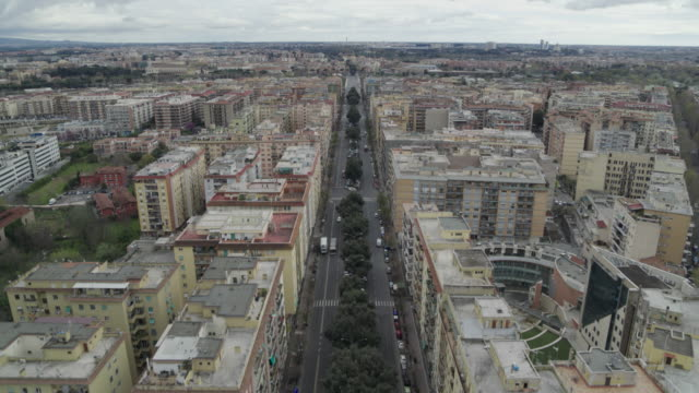 daytime drone flight of a deserted street in rome, italywith a top-down view during the covid 19 shutdown/corona lockdown in 2020 - roman stock videos & royalty-free footage