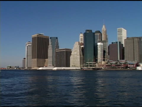 daytime - lower manhattan skyline shot from different brooklyn locations, statue of liberty brooklyn heights promenade, photograph memorial on fence,... - manhattan stock videos & royalty-free footage