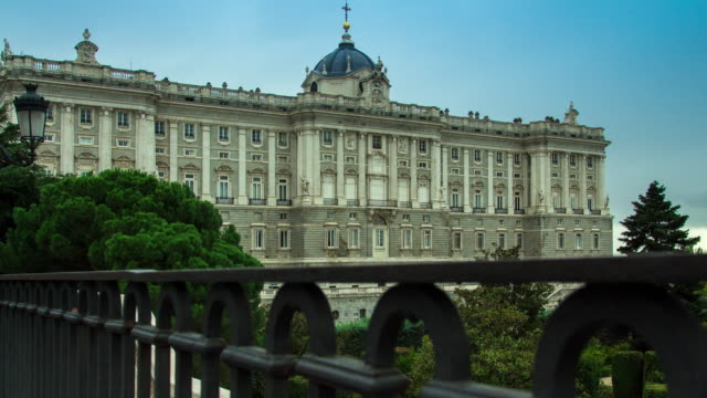 Daytime Time Lapse of the Palacio Real, Madrid