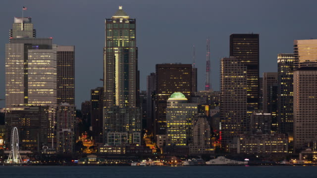 W/S day-to-night time lapse of the Seattle skyline and waterfront