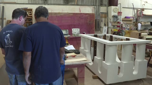 stockvideo's en b-roll-footage met deacon dave cahoon is a carpenter on a tight deadline from god to build the altar from which pope francis will celebrate mass before a crowd of... - altaar