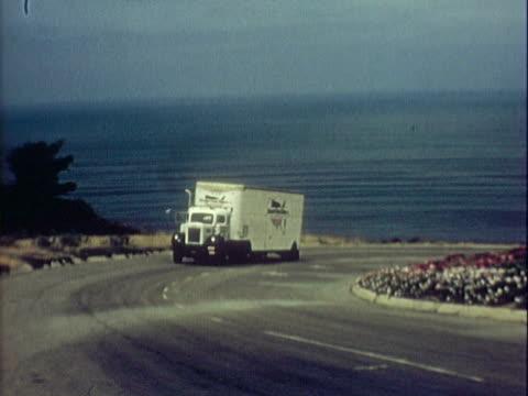 vídeos y material grabado en eventos de stock de dean van lines truck / california - escritura occidental