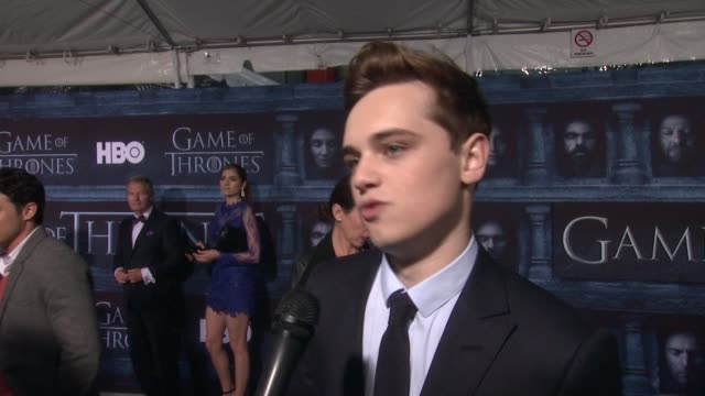 dean-charles chapman on that he's here at the tcl chinese theater and what it means to have his show premiere at such an iconic hollywood theater, on... - tcl chinese theater stock-videos und b-roll-filmmaterial