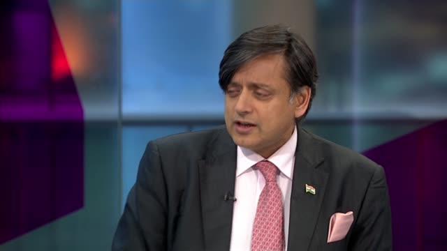 stockvideo's en b-roll-footage met death of wife of shashi tharoor investigated as possible murder england london gir int dr shashi tharoor studio interview sot - mogelijk
