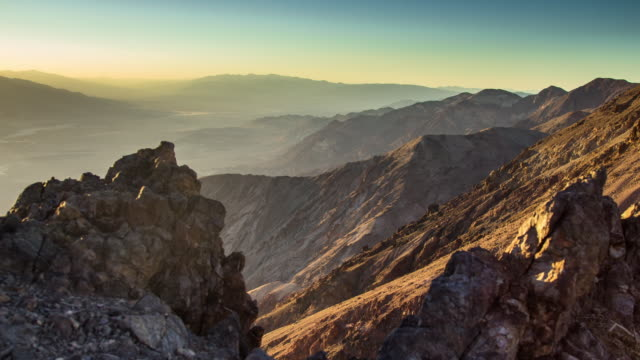 stockvideo's en b-roll-footage met death valley - timelapse - majestueus