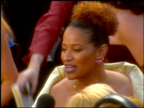 debbie allen at the 2001 academy awards at the shrine auditorium in los angeles, california on march 25, 2001. - 第73回アカデミー賞点の映像素材/bロール