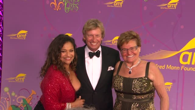 Debbie Allen Nigel Lythgoe Claude Mann at the The Alfred Mann Foundation's Annual BlackTie Gala at Santa Monica CA