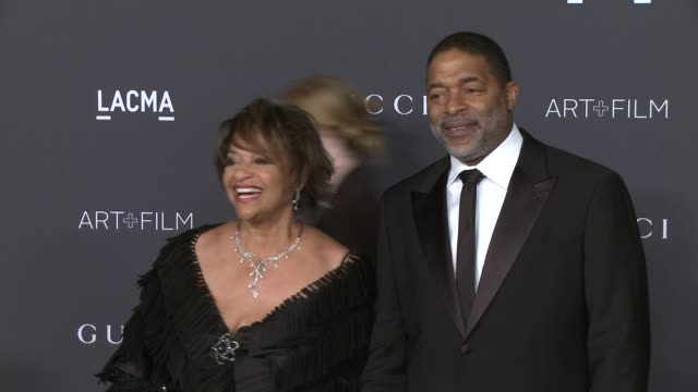 debbie allen, norman nixon at 2015 lacma art+film gala honoring alejandro g. inarritu and james turrell presented by gucci at lacma on november 07,... - debbie allen stock videos & royalty-free footage
