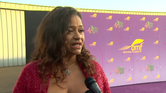debbie allen on being honored and what she appreciates about the alfred mann foundation, if she's been to the gala in the past, her thoughts on... - quincy jones stock-videos und b-roll-filmmaterial