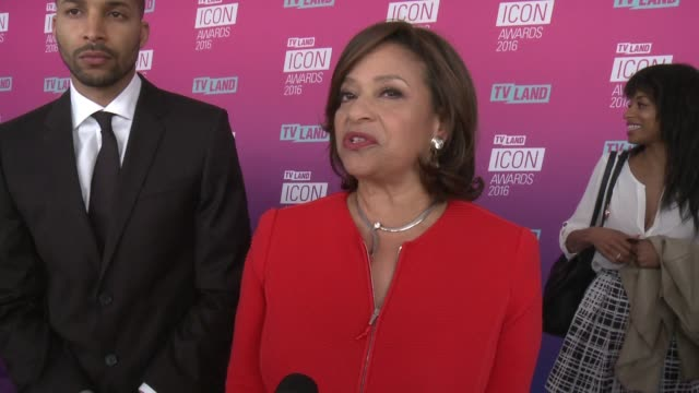 debbie allen on what it means to receive this honor, talks about her fellow honorees and what makes a true icon at tv land icon awards - arrivals in... - debbie allen stock videos & royalty-free footage