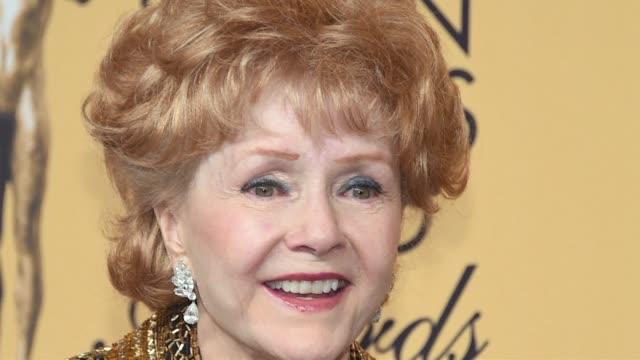 Debbie Reynolds actriz estadounidense famosa por su interpretacion en Cantando bajo la lluvia murio el miercoles en Los Ángeles un dia despues de...