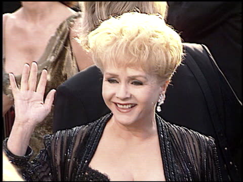 debbie reynolds at the 1997 academy awards arrivals at the shrine auditorium in los angeles california on march 24 1997 - 69th annual academy awards stock videos & royalty-free footage
