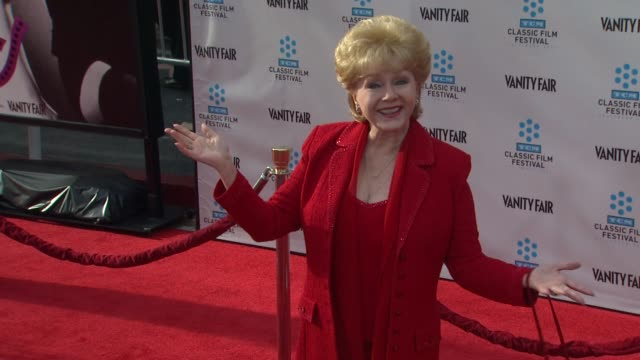 debbie reynolds at the world premiere of the 40th anniversary restoration of cabaret on 4/12/12 in hollywood, ca. - debbie reynolds stock-videos und b-roll-filmmaterial