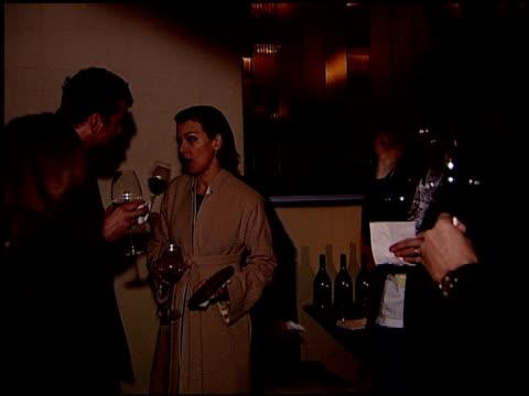vídeos de stock, filmes e b-roll de debi mazur at the sergio rossi store opening celebration at sergio rossi in los angeles california on january 16 2008 - inauguração de loja