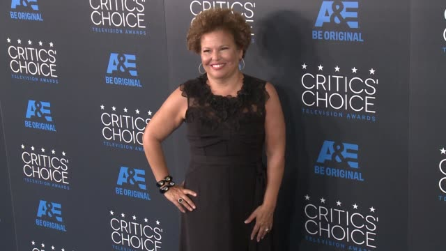 vidéos et rushes de debra lee at the 2015 critics' choice television awards at the beverly hilton hotel on may 31, 2015 in beverly hills, california. - the beverly hilton hotel
