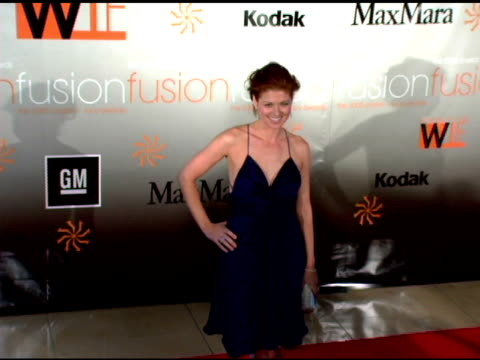 debra messing at the fusion the 2005 crystal and lucy awards presented by women in film at the beverly hilton in beverly hills california on june 10... - debra messing stock-videos und b-roll-filmmaterial