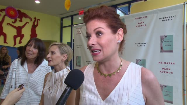 interview debra messing on loving the book and being excited for what's to come at primates of park avenue by dr wednesday martin release event at... - debra messing stock-videos und b-roll-filmmaterial
