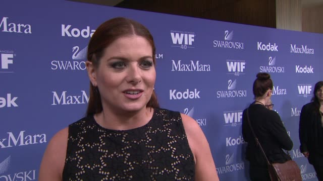 interview debra messing on what being a past honoree impacted her career why its important to have an organization like wif her advice to women... - debra messing stock-videos und b-roll-filmmaterial