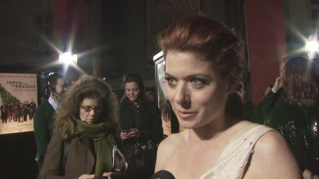 debra messing on what she's wearing on her role in the film on why she wanted to be in this film and on seeing the film with an audience at the... - debra messing stock-videos und b-roll-filmmaterial