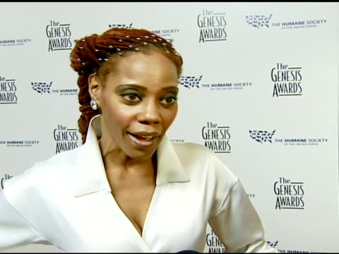 debra wilson of 'mad tv' on the event, her pet scorpion, and her oprah impression at the 2008 genesis awards at the beverly hilton in beverly hills,... - クモ類点の映像素材/bロール
