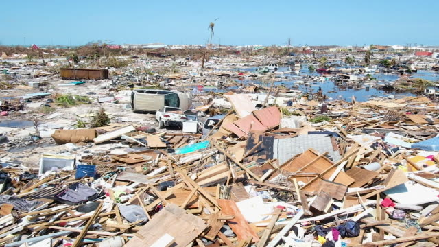 vidéos et rushes de debris is seen after hurricane dorian passed through in the mudd area of marsh harbour on september 5 2019 in great abaco island bahamas hurricane... - bahamas