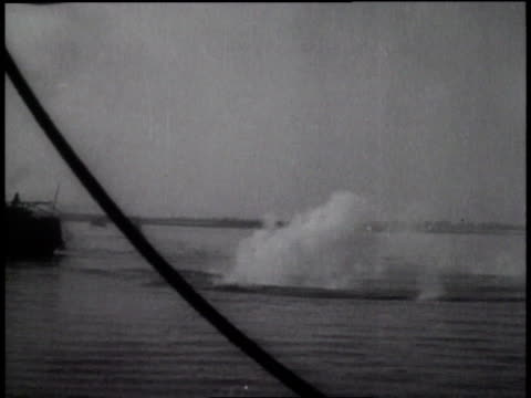 december 12 1937 montage japanese attack united states patrol gunboat uss panay on the yangtze river / china - 1937 stock-videos und b-roll-filmmaterial