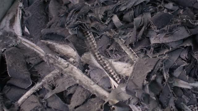vidéos et rushes de december 2020: garment denim leftovers at a jhoot godown in savar near dhaka. - denim