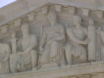december 29, 2006 pediment carvings and 'equal justice under law over western facade of the supreme court building / washington d.c., united states - fronton bildbanksvideor och videomaterial från bakom kulisserna