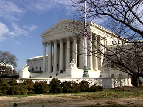 december 29 2006 ws supreme court building / washington dc united states - architrav stock-videos und b-roll-filmmaterial