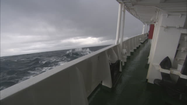 cu, deck of ship on sea, antarctica - schiffsdeck stock-videos und b-roll-filmmaterial