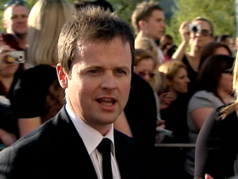 stockvideo's en b-roll-footage met declan donnelly at the tv bafta awards at london - declan donnelly