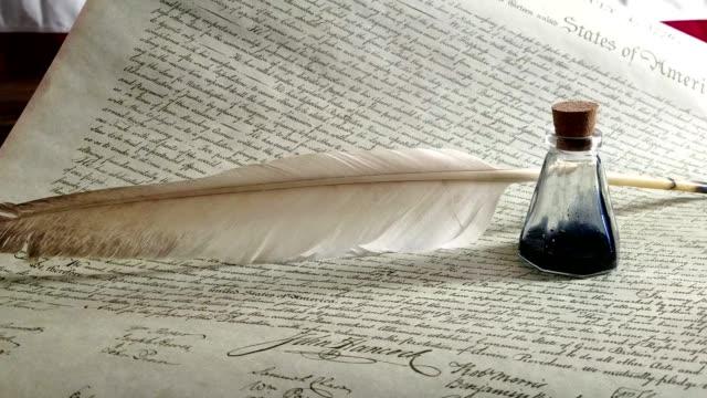 vídeos de stock e filmes b-roll de declaration of independence - usa - benjamin franklin