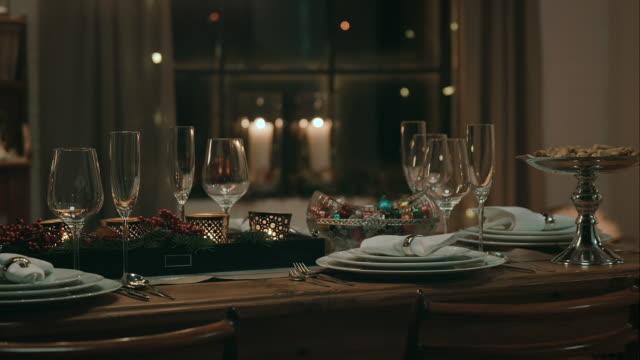 vídeos y material grabado en eventos de stock de decoración de mesa para una cena de víspera de navidad - goose meat