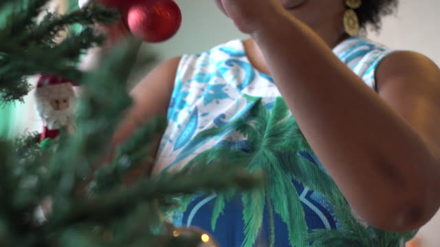 decorating the christmas tree - mesquita stock videos & royalty-free footage