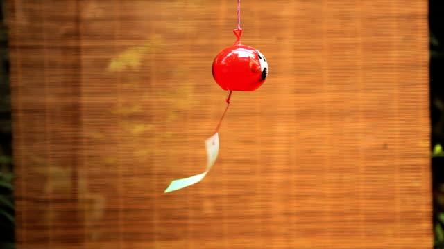 装飾的な日本のベル(furin - ベル点の映像素材/bロール