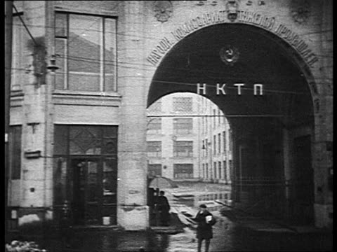 dedicated to bolshevik leader sergo ordzhonikidze's death funeral exterior of hard industry commissariat / moscow russia - 1937 stock-videos und b-roll-filmmaterial