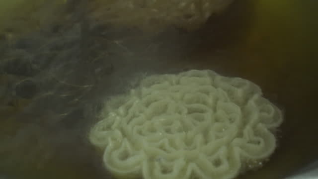 deep fried thai crispy snacks - crunchy stock videos & royalty-free footage